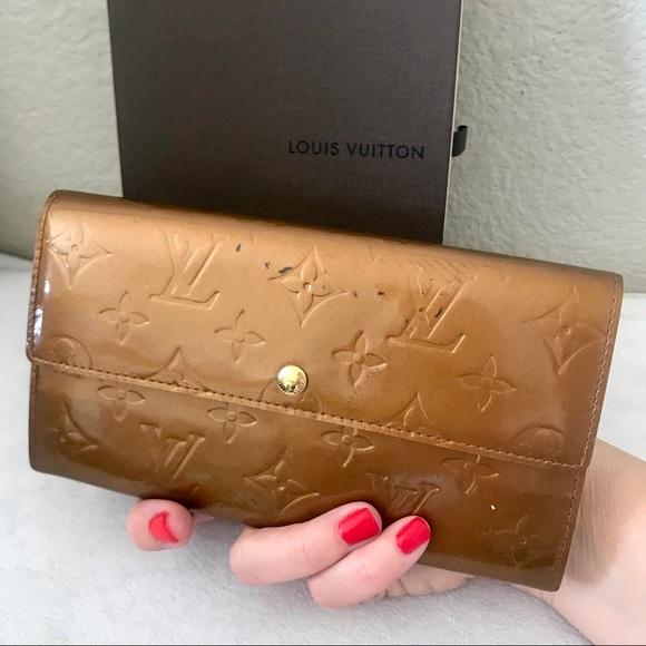 022219a3fda0 Louis Vuitton Handbags - Louis Vuitton Monogram Bronze Vernis Sarah Wallet